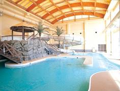 屋内/屋上2つのプール